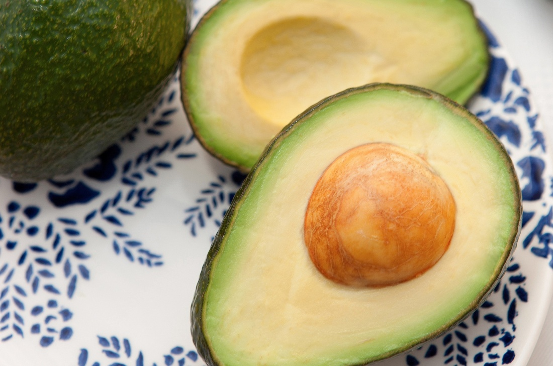 cut avocado, stone in avocado, ripe avocado fruit, fruit delivery avocado, avocado delivery dublin