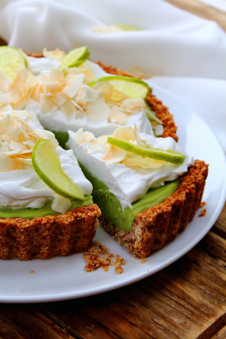 avocado key lime pie, avocado pie recipe, peachy palate, michelle hunt, michelle peachy palate, key lime pie recipe, healthy key lime pie
