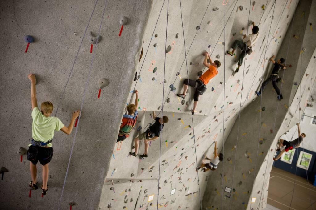WMS_Indoor_Climbing_Wall
