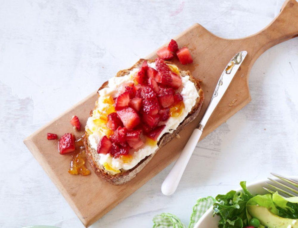 Rozanne Stevens | Luscious Strawberries in Summer